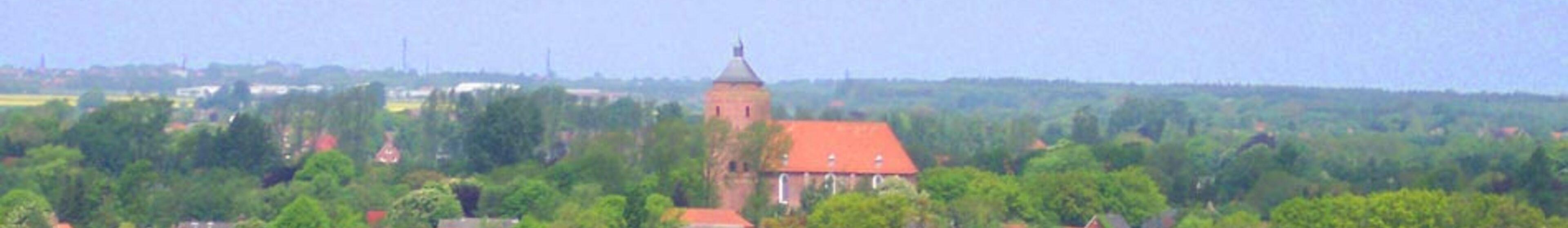 Blick aus der Luft auf unsere Warnfriedkirche