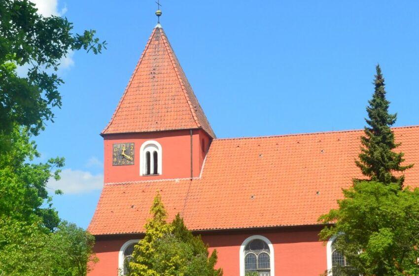 Gottesdienst_normal_halbe_Kirche