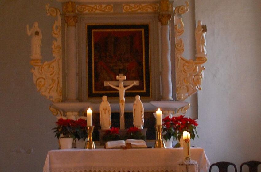 Altar Mit Kerzen