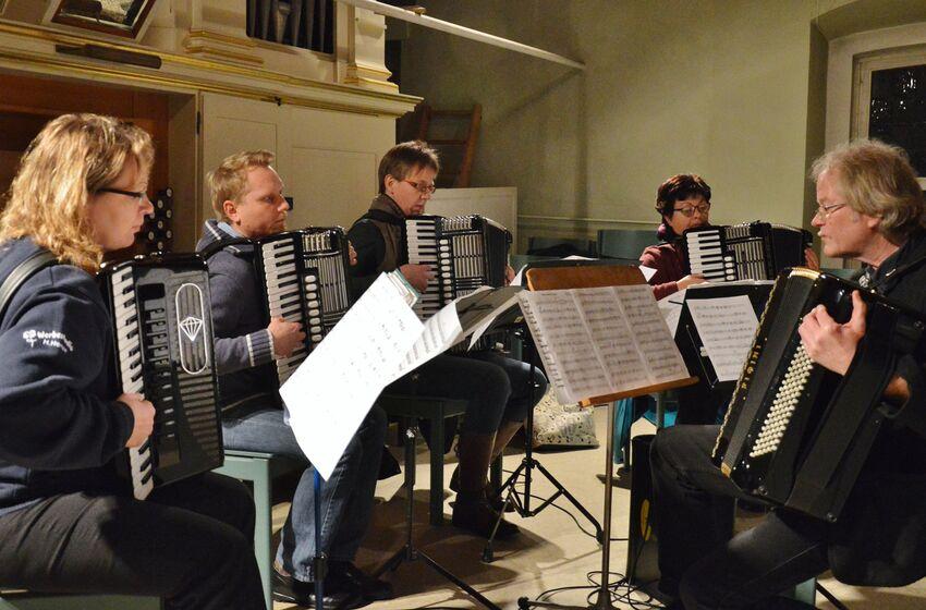 Das Akkordeonorchester schuf ganz eigene Klangwelten