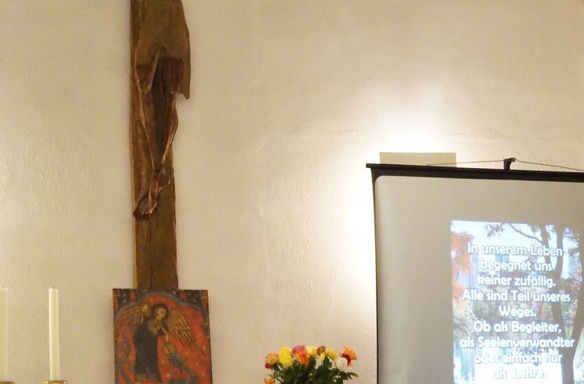Kreuz am Altar