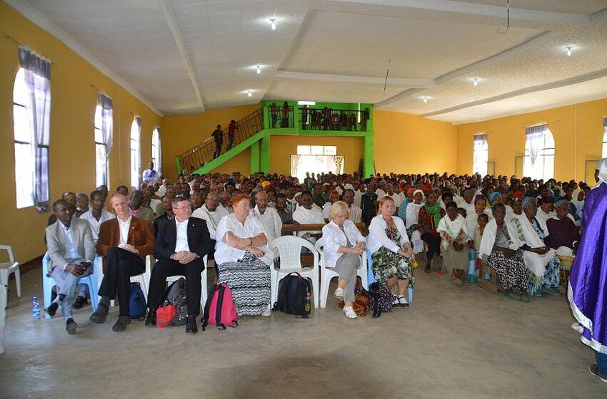 Bunte Gottesdienste - volle Kirchen