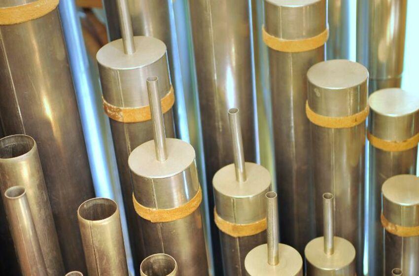 Orgel-Kroeger-Pfeifen-innen-i