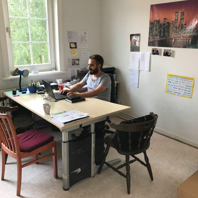 Büro Yöndes innen