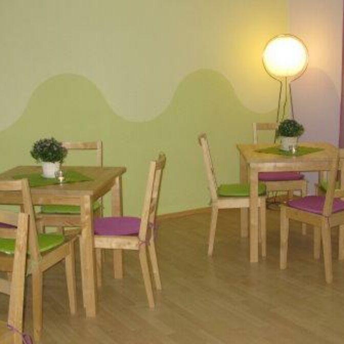 Familienzentrum_Tische_Stuehle