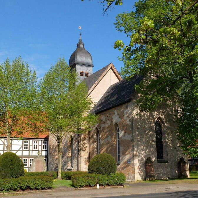 Kirche Mai 2015