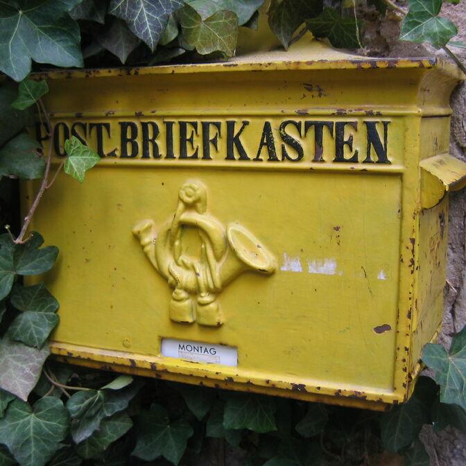 BriefkastenGelb