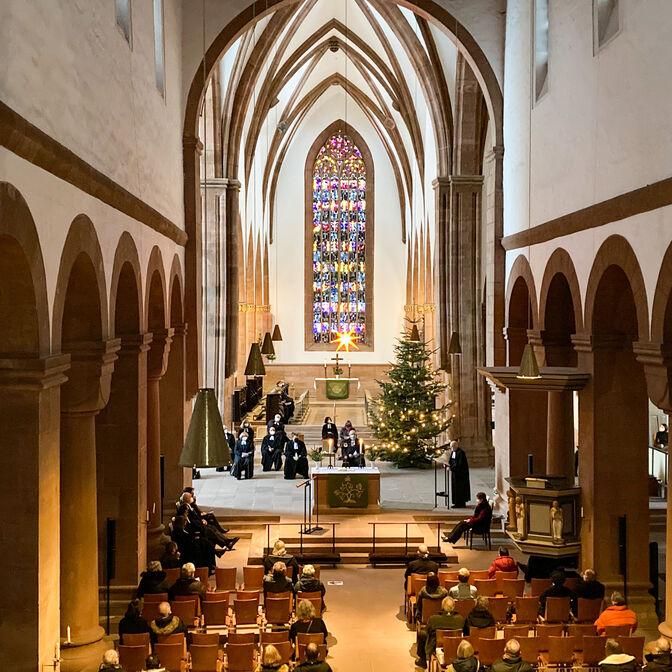 Der Superintendent des Kirchenkreises Holzminden-Bodenwerder, Ulrich Wöhler, verabschiedete sich von seinem Amt mit einer Predigt in der Corona bedingt wenig besetzten Klosterkirche in Amelungsborn.