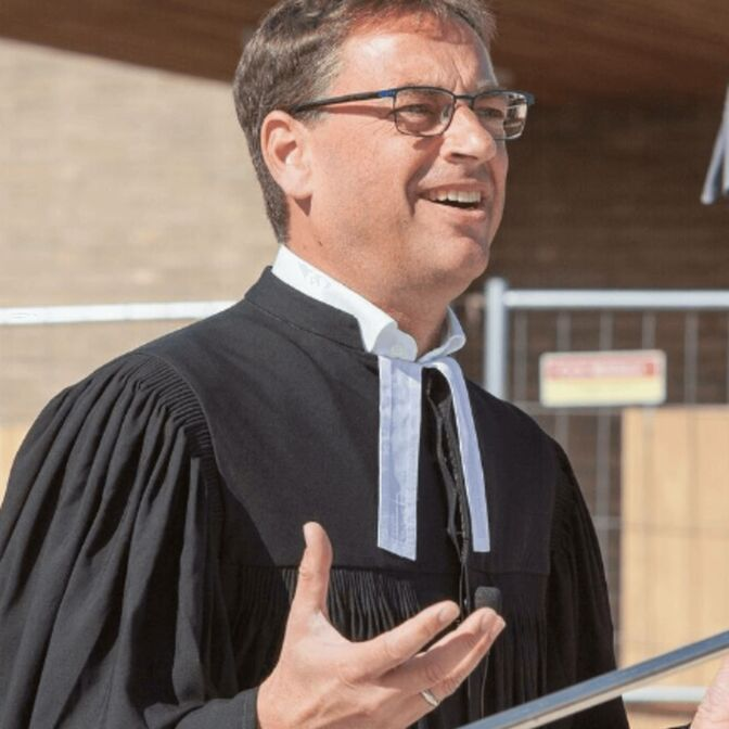 Pastor Dr. Stephan Vasel