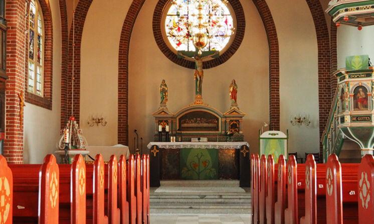 Blicke in Kirche